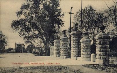 Memorial Gate, Forest Park - Ottawa, Kansas KS Postcard