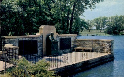 Allen White Bust & Memorial - Emporia, Kansas KS Postcard