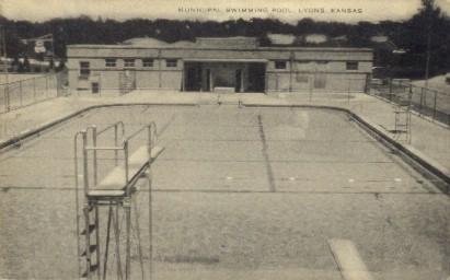 Municipal Swimming Pool - Lyons, Kansas KS Postcard