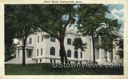 Court House - Leavenworth, Kansas KS Postcard