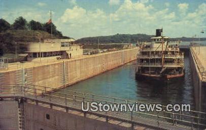 Excursion Steamer Delta Queen - Kentucky Dam Postcards, Kentucky KY Postcard