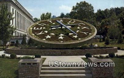 Kentucky's Floral Clock - Frankfort Postcard