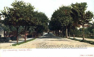 Broadway - Beverly, Massachusetts MA Postcard