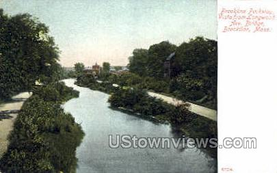 Brookline Parkway - Massachusetts MA Postcard