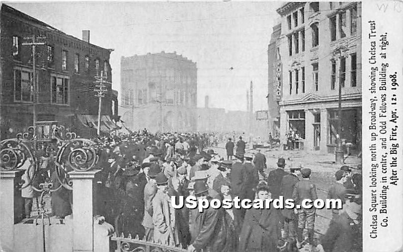 Chelsea Square showing Chelsea Trust Co Building - Massachusetts MA Postcard