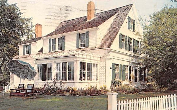Long Dell Centerville, Massachusetts Postcard