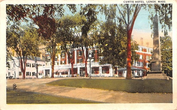 Curtis HotelLenox, Massachusetts Postcard
