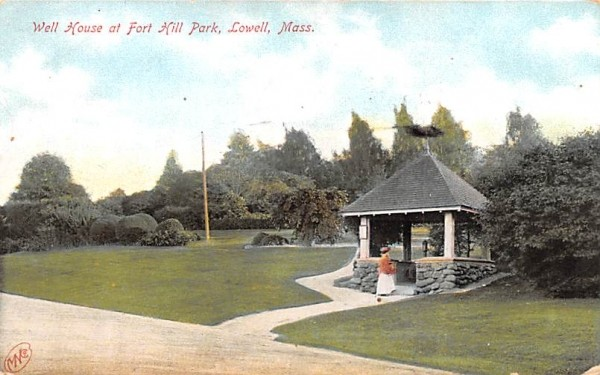 Well House at Fort Hill ParkLowell, Massachusetts Postcard