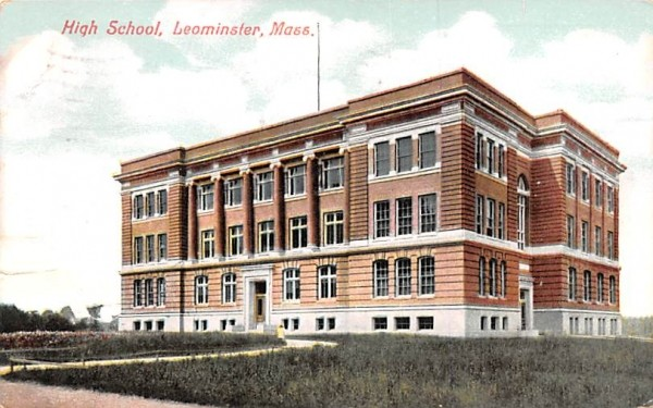 High School Leominster, Massachusetts Postcard