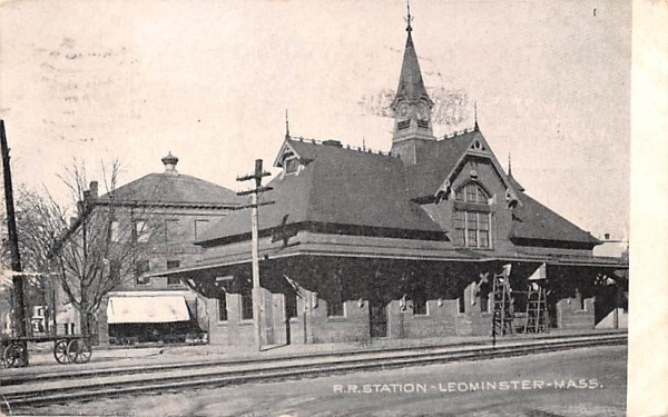 R.R. Station  Leominster, Massachusetts Postcard