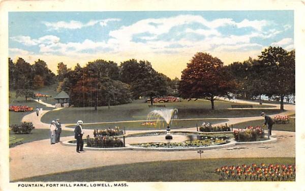 Fountain on Common Lowell, Massachusetts Postcard