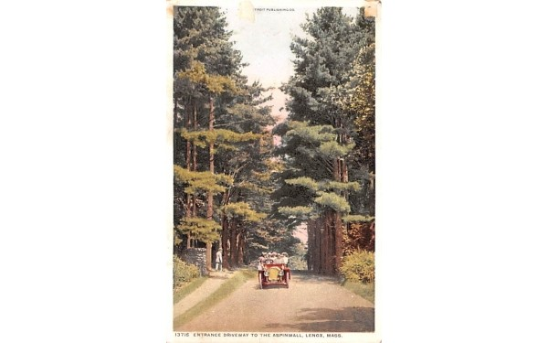 Entrance Driveway to the Aspinwall Lenox, Massachusetts Postcard