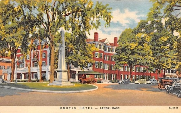 Curtis Hotel Lenox, Massachusetts Postcard