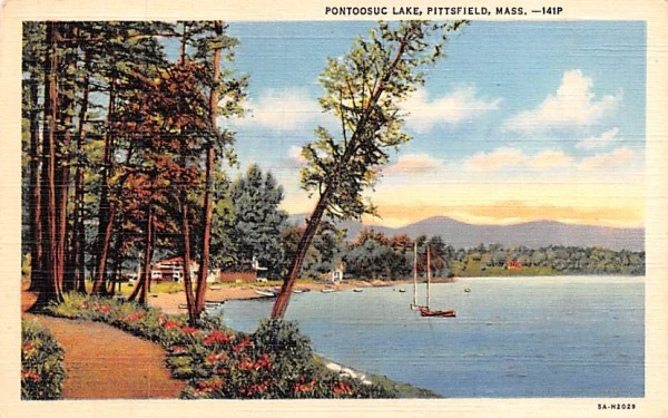 Pontoosuc Lake Pittsfield, Massachusetts Postcard