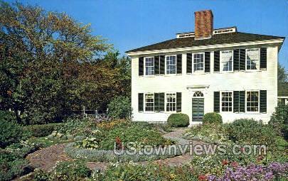 Garden, The Towne House - Sturbridge, Massachusetts MA Postcard