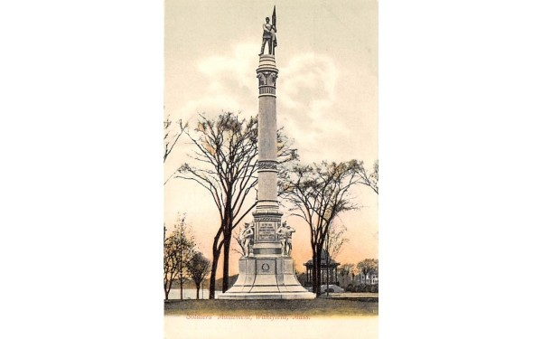 Soldiers' Mounment Wakefield, Massachusetts Postcard