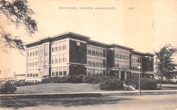 High School Wakefield, Massachusetts Postcard