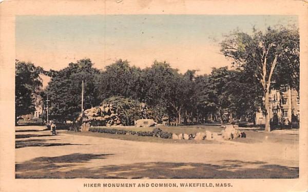Hiker Mounument & Common Wakefield, Massachusetts Postcard