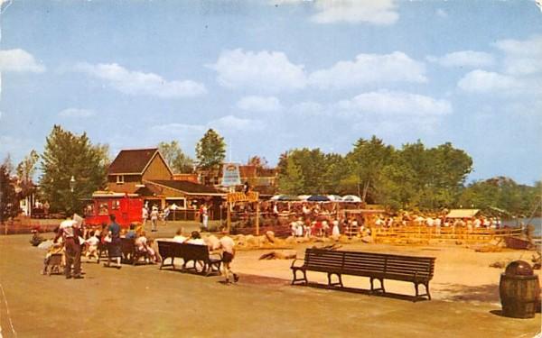 Old Chowder House Wakefield, Massachusetts Postcard