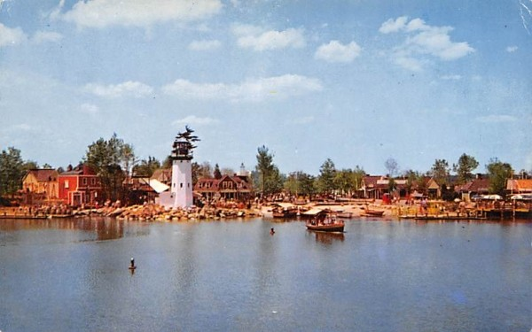 Famed Clipper Cove Wakefield, Massachusetts Postcard