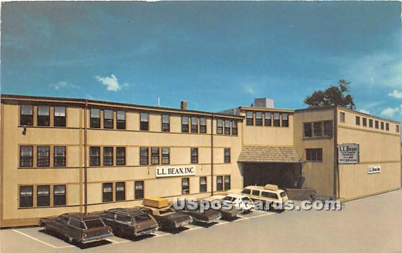 LL Bean Inc - Freeport, Maine ME Postcard