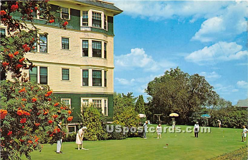 The Putting Green at Lookout Hotel - Ogunquit, Maine ME Postcard