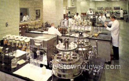 Stroh Brewery Co. Lab - Detroit, Michigan MI Postcard