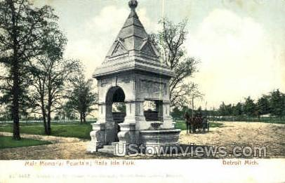 Muir Memorial Fountain - Detroit, Michigan MI Postcard