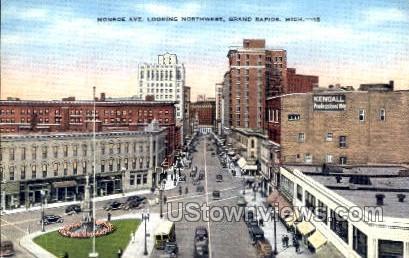 Monroe Ave. - Grand Rapids, Michigan MI Postcard