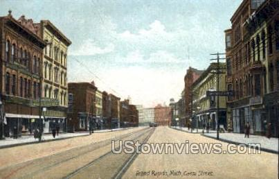Canal St.  - Grand Rapids, Michigan MI Postcard