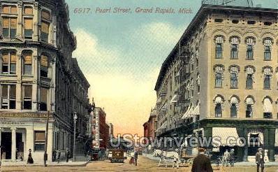 Pearl Street - Grand Rapids, Michigan MI Postcard