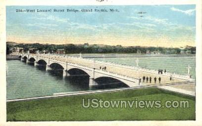 West Leonard Street Bridge - Grand Rapids, Michigan MI Postcard