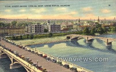 Pearl St. Bridge looking West - Grand Rapids, Michigan MI Postcard