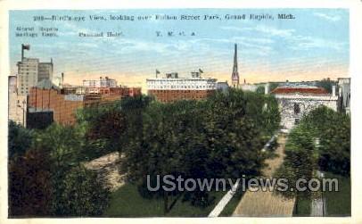 Fulton Street Park - Grand Rapids, Michigan MI Postcard