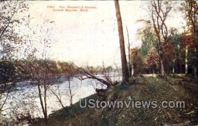 Beautiful Grand Rapids - Michigan MI Postcard
