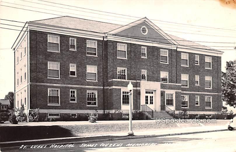 St Luke's Hospital - Marquette, Michigan MI Postcard