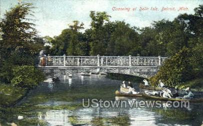 Canoeing, Belle Isle - Detroit, Michigan MI Postcard