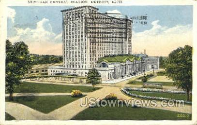 Michigan Central Station - Detroit Postcard