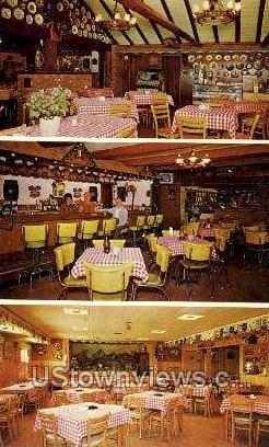 Schlang's Bavarian Inn, Cocktail Bar - Gaylord, Michigan MI Postcard