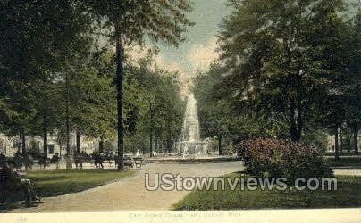 East Grand Circus Park - Detroit, Michigan MI Postcard