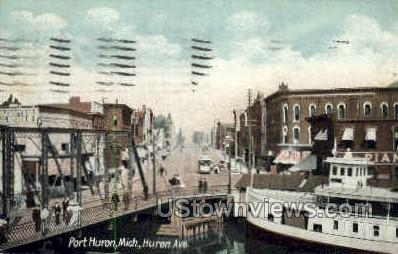 Huron Avenue  - Port Huron, Michigan MI Postcard