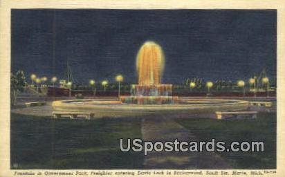 Fountain in Government Park - Sault Ste Marie, Michigan MI Postcard