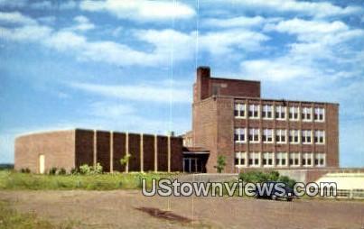 Science Bldg, University of Minnesota - Duluth Postcard