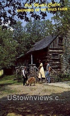 Old Matt's Cabin - Branson, Missouri MO Postcard