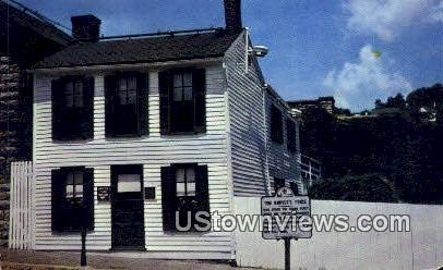 Mark Twain's Boyhood Home - Hannibal, Missouri MO Postcard
