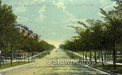 Armour Boulevard - Kansas City, Missouri MO Postcard