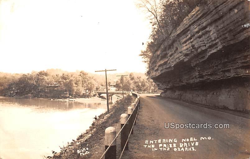 Entering - Noel, Missouri MO Postcard