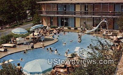 Holiday Inn - Lake of the Ozarks, Missouri MO Postcard