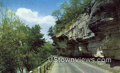 Famed Over Hanging Bluffs - Noel, Missouri MO Postcard