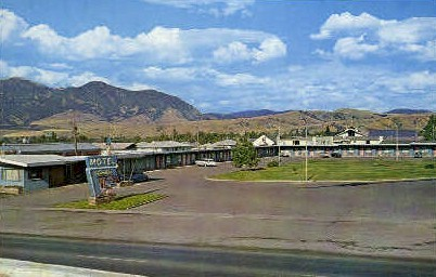Travelier Motel - Bozeman, Montana MT Postcard